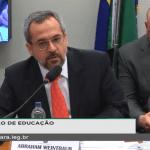 Ao vivo: Ministro da Educação é questionado sobre declarações em relação a maconha em universidades