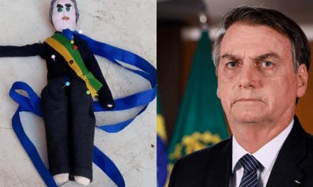 """Em site, boneco de vodu de Bolsonaro é vendido livremente: """"toda a vez que o presidente fizer ou falar as bobagens que lhe é peculiar, você pode intervir."""