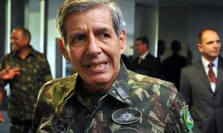 """General Heleno desmente manchete distorcida de revista e afirma: """"Estou cancelando minha assinatura"""""""