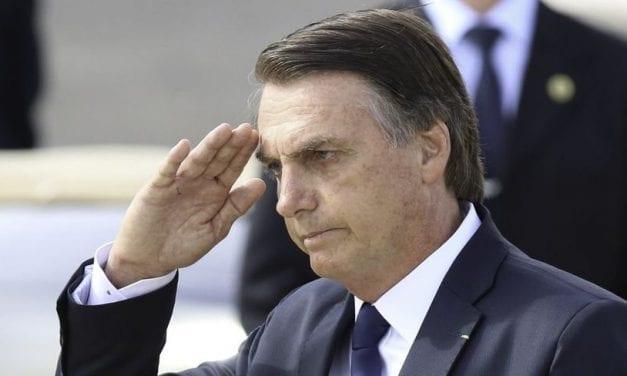Bolsonaro conta que assessor de sua campanha participou do plano para matá-lo