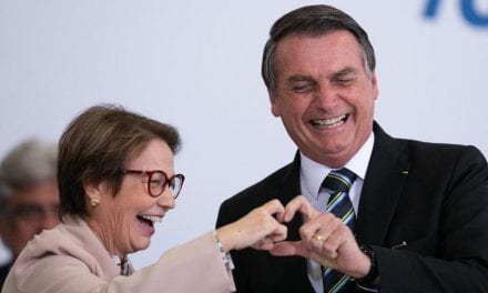 Bolsonaro comenta o motivo da carne estar cara; Ministra garante que é temporário