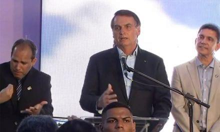 """Bolsonaro lança campanha contra o voto em parlamentar que usar o fundão: """"Quem quer muito tempo com muito dinheiro quer esconder a verdade"""""""