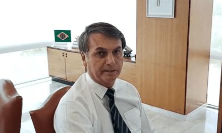 """Bolsonaro assiste discurso de Trump, e relembra ato de Lula: """"Quando esteve no Irã, defendeu que o enriquecimento de urânio"""""""