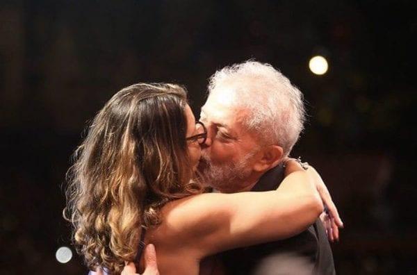 Caso de Lula com a atual namorada começou quando Marisa Letícia ainda era viva, afirma Valter Sâmara