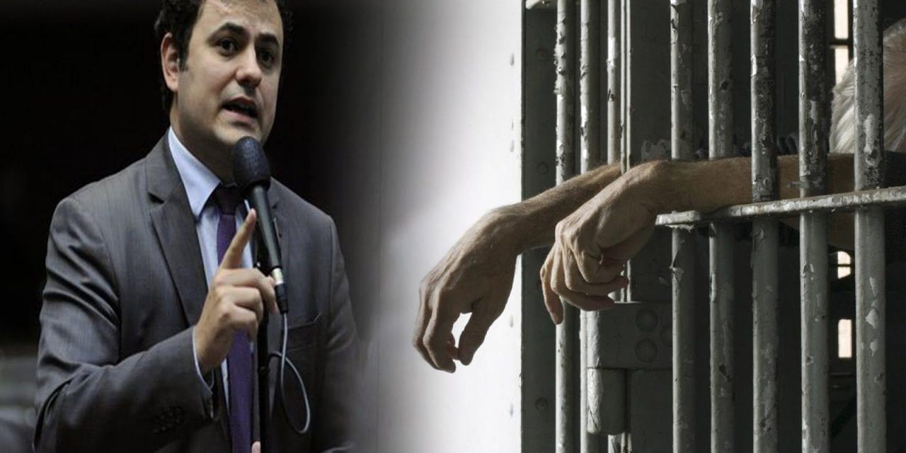 Deputado que atacou Moro é autor de projeto que propõe pagamento de salário mínimo para criminosos