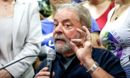 Criminoso tenta pagar lição de moral para o Presidente Bolsonaro