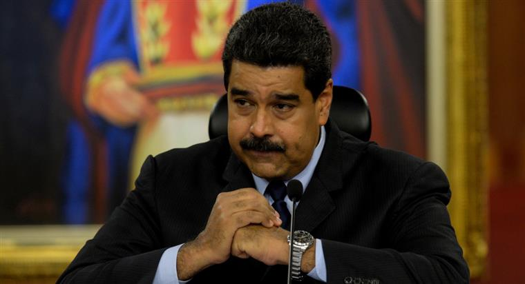 Nicolás Maduro está com a cabeça à prêmio