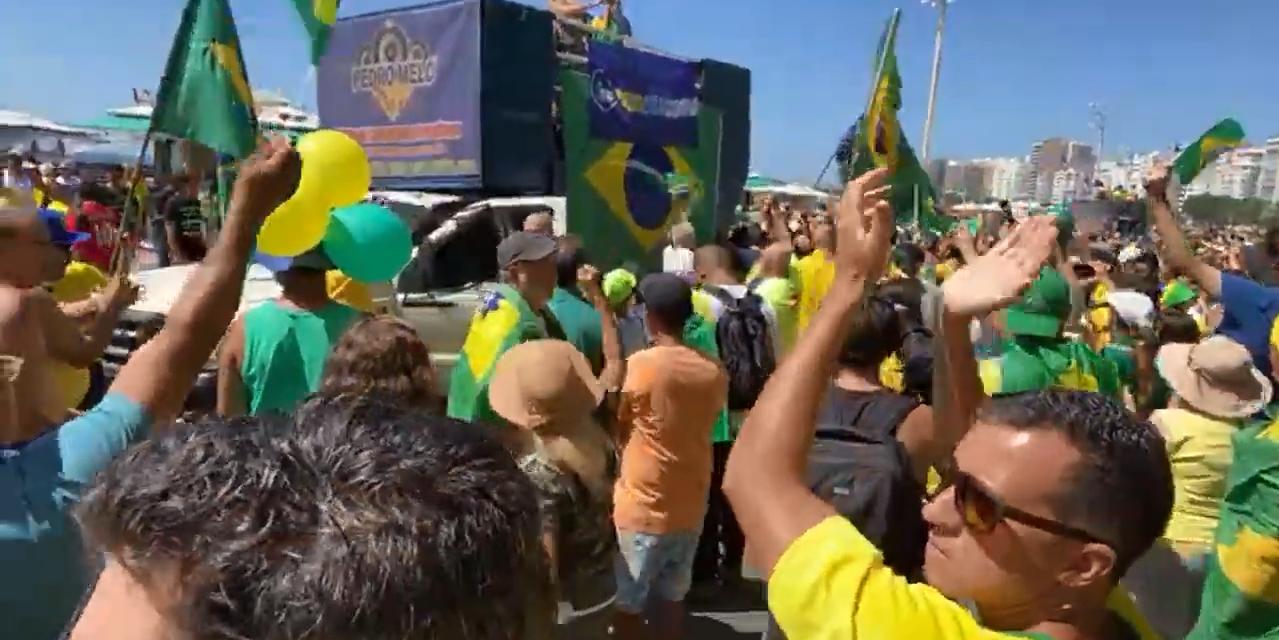 #Bolsonaroday: O povo está nas ruas em Copacabana-Rio de Janeiro