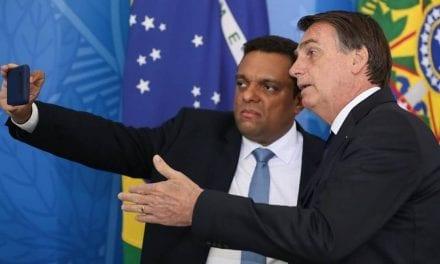 """Deputado afirma que imprensa brasileiro usa o coronavírus para causar crises no governo: """"Podres, patifes, canalhas"""""""