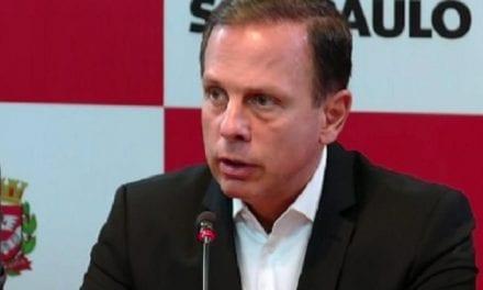 Dória está ameaçando os prefeitos de SP que seguirem as orientações de Bolsonaro, diz Carla Zambelli