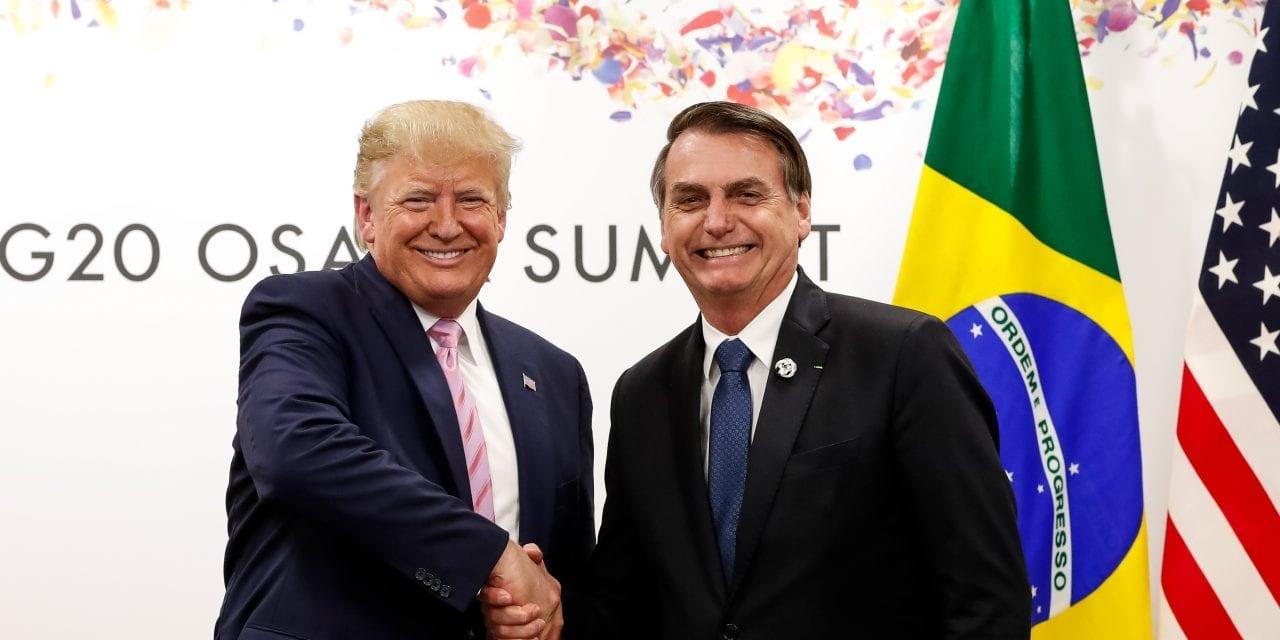 """Trump sobre Bolsonaro: """"Ele é meu aliado número um. Está fazendo um grande trabalho no Brasil. O povo o ama"""""""