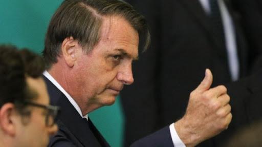 Jair Bolsonaro chama jornalistas de urubu