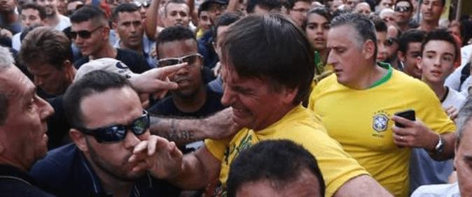 Após mais de um ano e meio da facada em Bolsonaro, assunto volta a ser o mais comentado em rede social: #QuemMandouMatarBolsonaro
