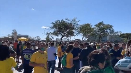 Em Brasília, grupos cristãos realizam ato em apoio ao presidente Jair Bolsonaro