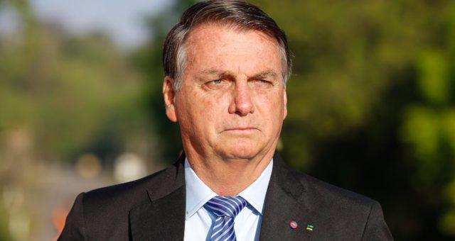 """Contra fraudes, Bolsonaro volta a fazer defesa pelo voto impresso: """"Vamos mergulhar na Câmara e Senado"""""""